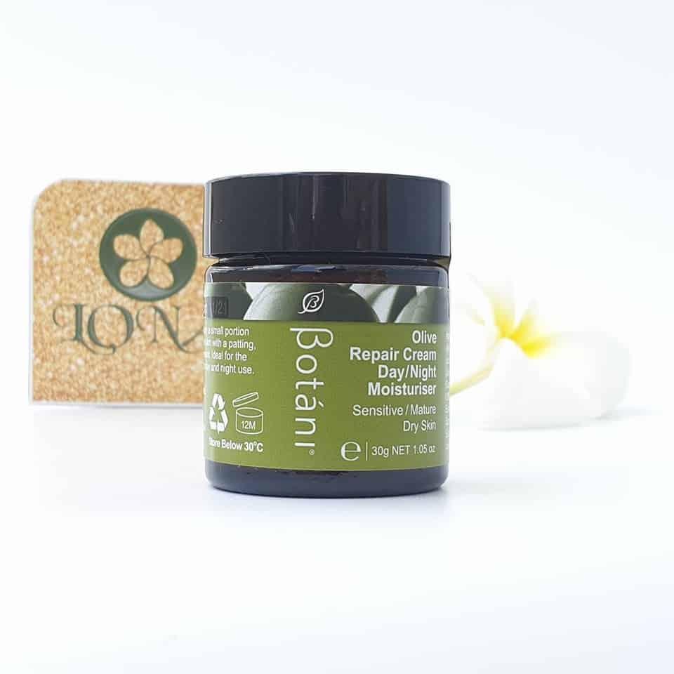 Kem dưỡng ẩm chuyên sâu ngày và đêm Botani | Olive Repair Cream