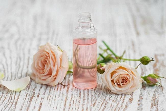 toner nước hoa hồng